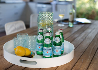 O'Conner house - outdoor table styling