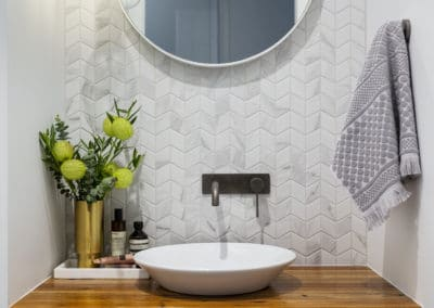 Casey residence - Powder room